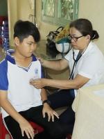 Khám sức khỏe định kì cho học sinh Trường Thực hành Sư phạm